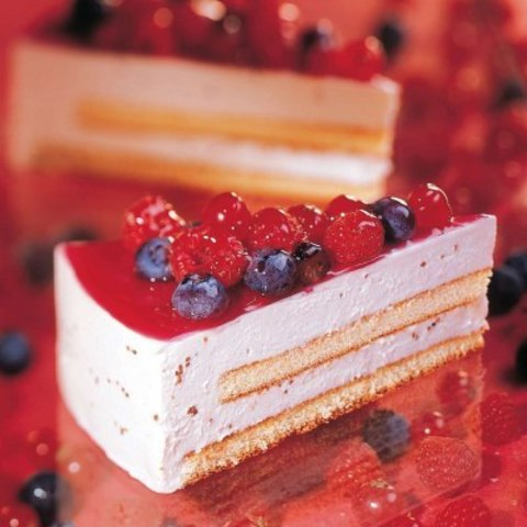 Торт мусс йогуртовый с лесными ягодами