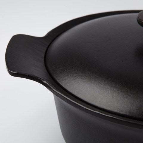 Кастрюля чугунная овальная с крышкой 24см 4,2л (черная) Ron