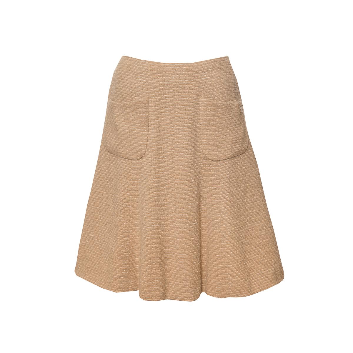 Элегантная расклешенная юбка из твида песочного цвета от Chanel, 36 размер.