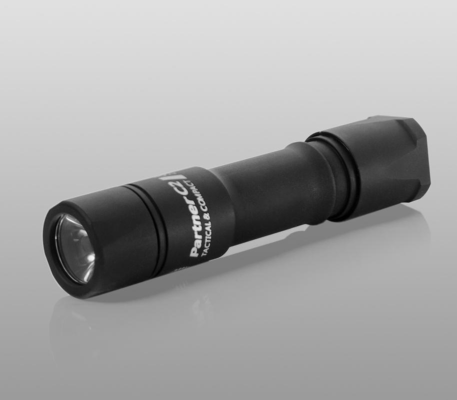 Тактический фонарь Armytek Partner C2 (тёплый свет) - фото 1
