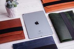 Коричневый горизонтальный кожаный чехол Gmakin для iPad