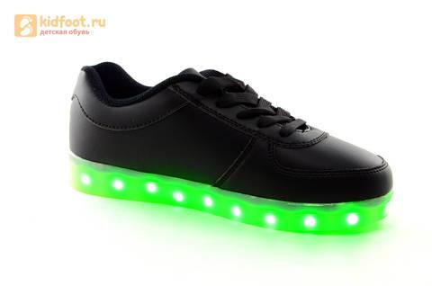 Светящиеся кроссовки с USB зарядкой Fashion (Фэшн) на шнурках, цвет черный, светится вся подошва. Изображение 2 из 27.