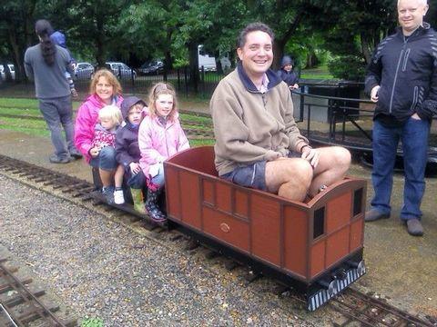 Garden Rail Трамвайный локомотив с посадкой внутри колея 17,8 см, электрический