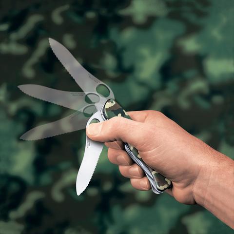 Нож Victorinox Trailmaster One Hand, 111 мм, 12 функций, камуфляжный123