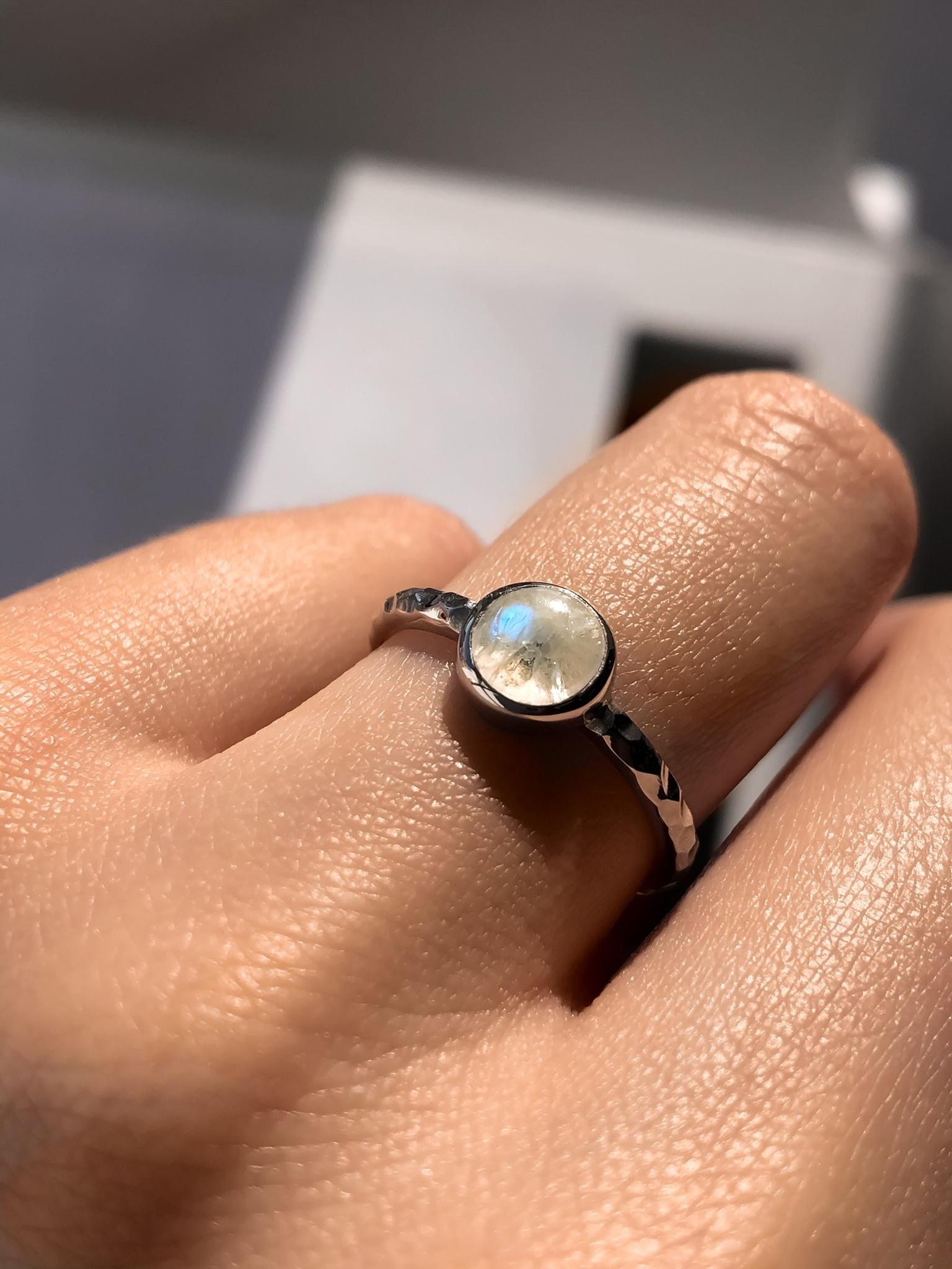 Серебряное узкое кольцо