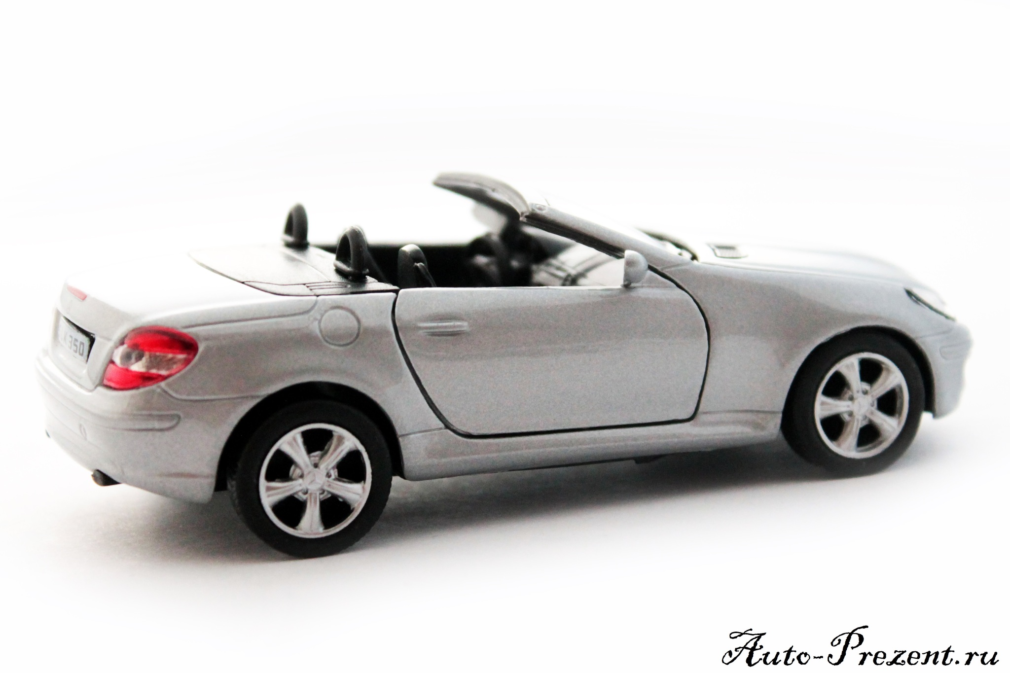 Машинка-игрушка Mercedes-Benz SLK 350 (Convertible)