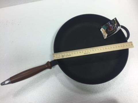 Сковорода чугунная , с деревянной ручкой 280 мм*40 мм.