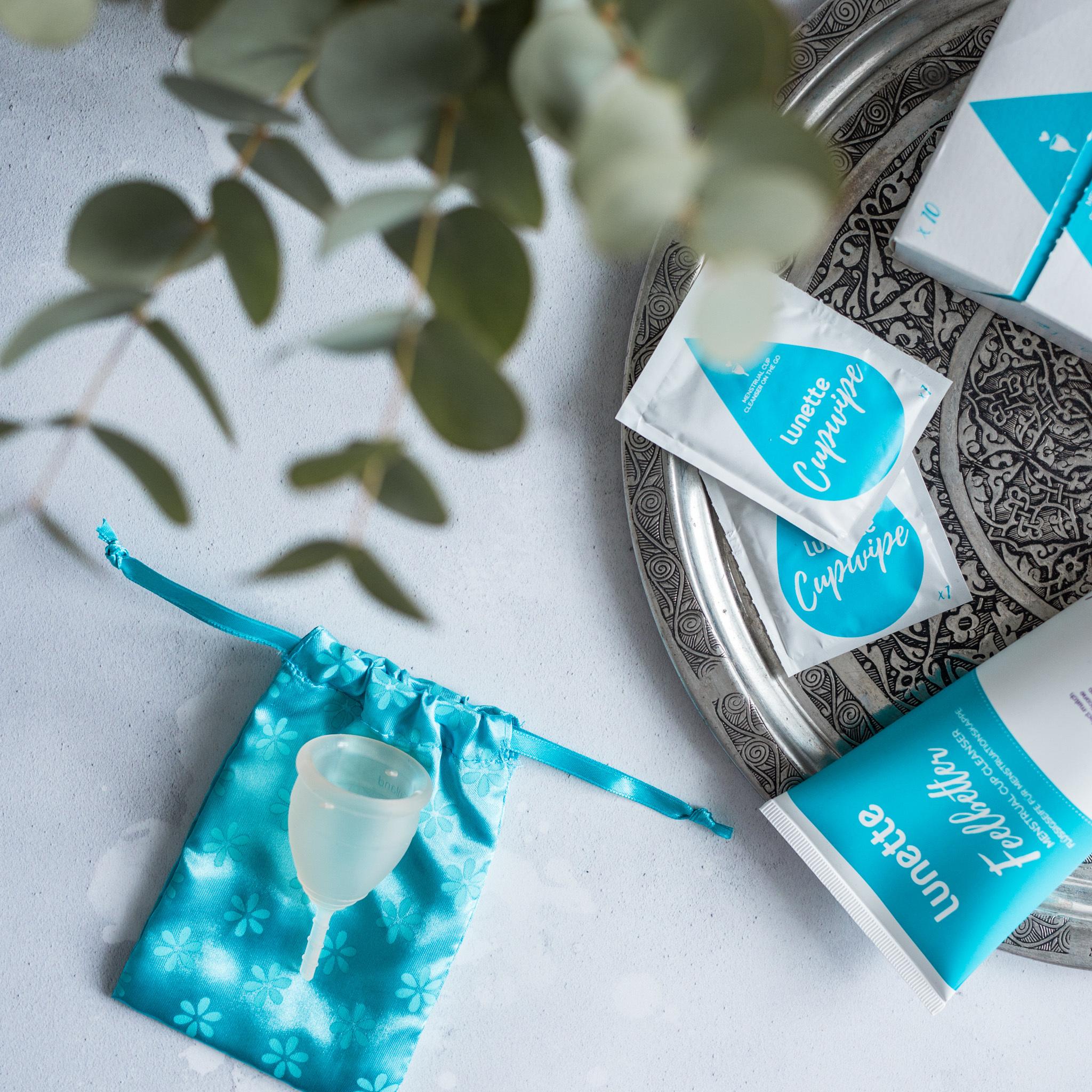 Очищающие салфетки Lunette для менструальных чаш