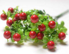 Искусственная зелень брусничник с ягодами, букет 34 см.