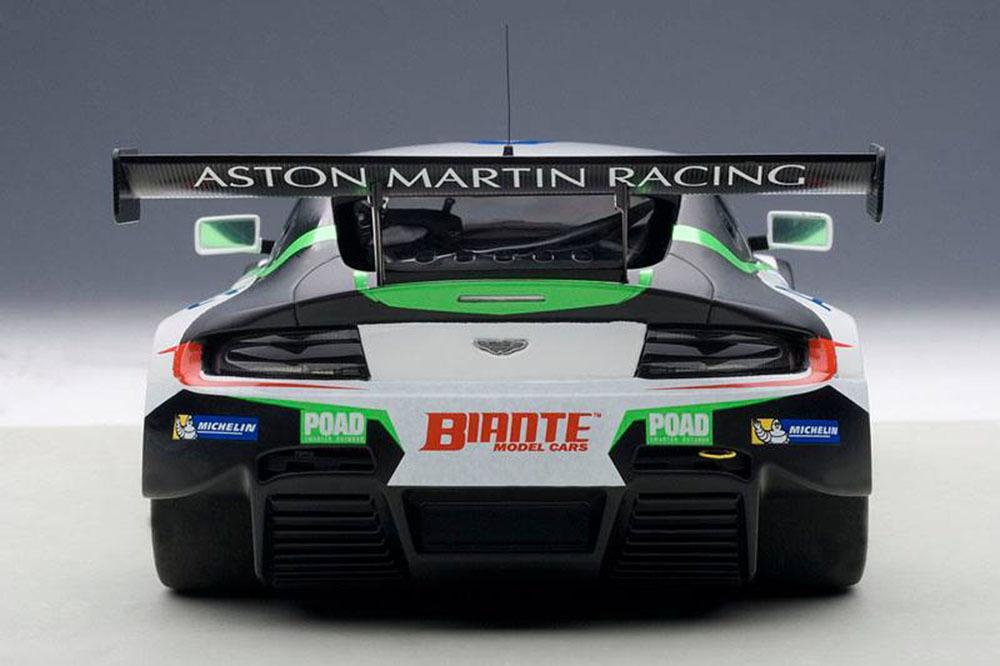 Коллекционная модель Aston Martin V12 Vantage Bathurst 12 Hour Endurance Race 2015 #97