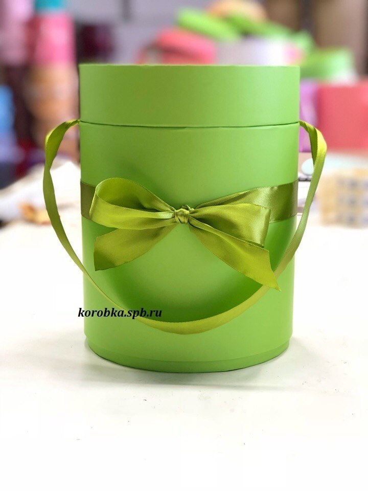 Шляпная коробка D18 см Цвет: зеленый .  Розница 300 рублей .