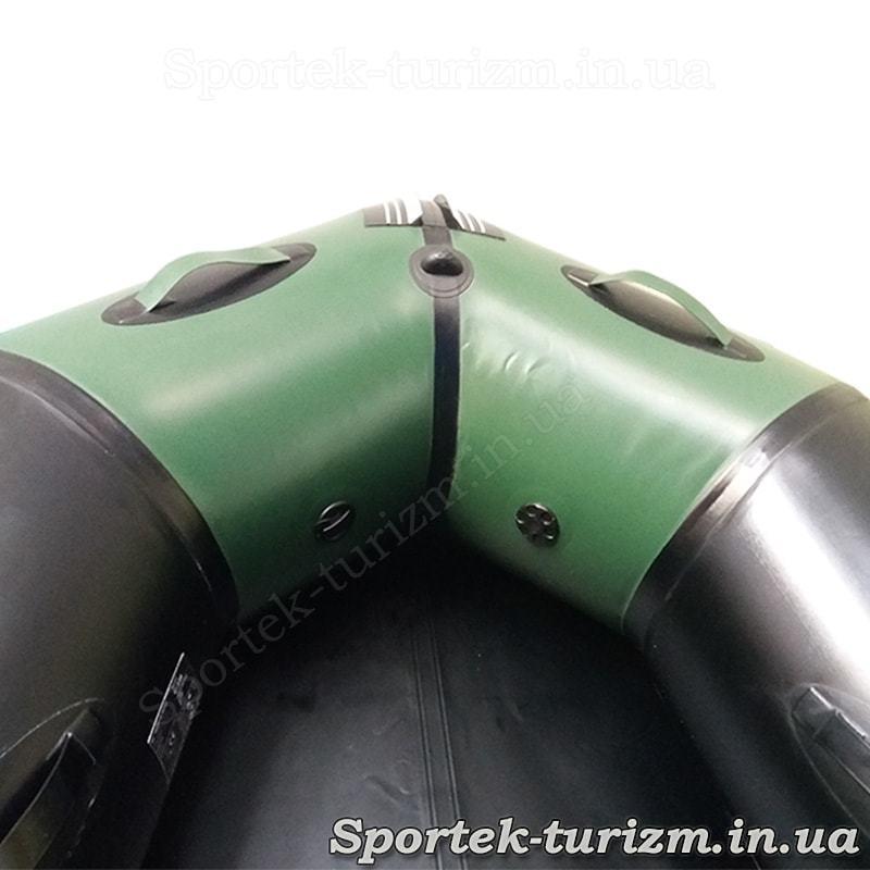 Вид на нос изнутри резиновой гребно-моторной лодки Aquastar С330