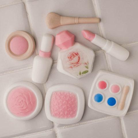 Пластиковая форма для мыла Дамские штучки