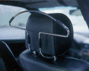 Автомобильная вешалка HEBE HBA67