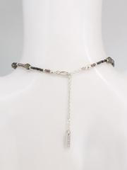 Колье из коричневого и голубого мелкого хрусталя с серебром и подвеской