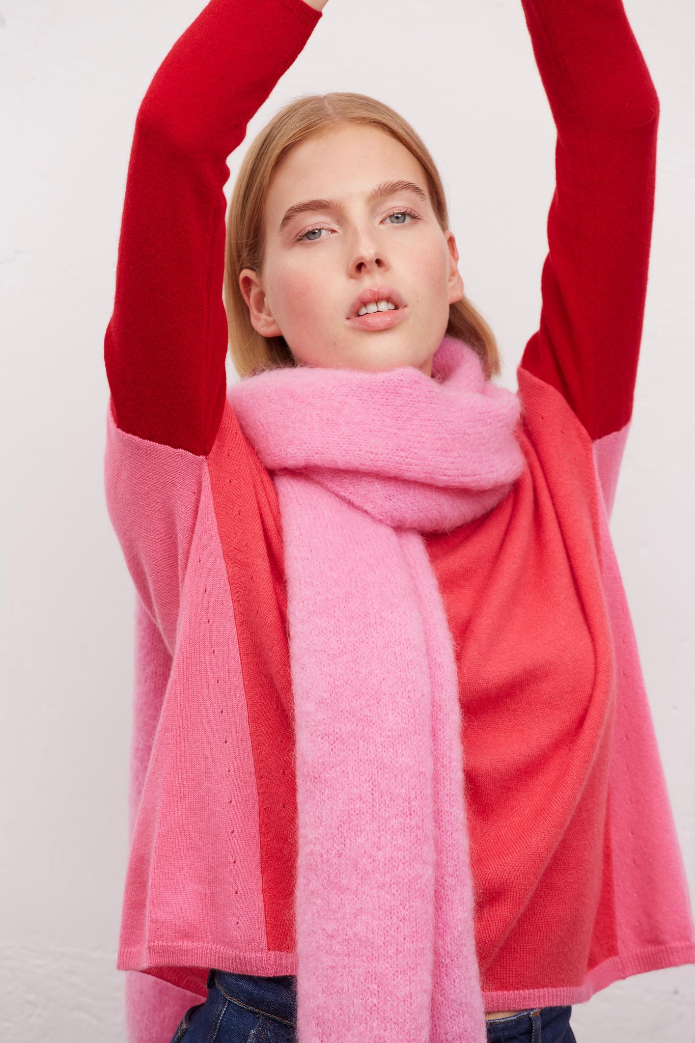 LUCIE - Кашемировый свитер с контрастными рукавами