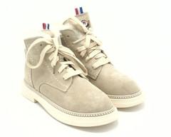Ботинки молочные на шнуровке