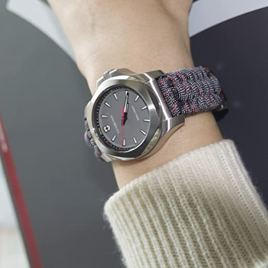 Женские  часы Victorinox  I.N.O.X. V 241771