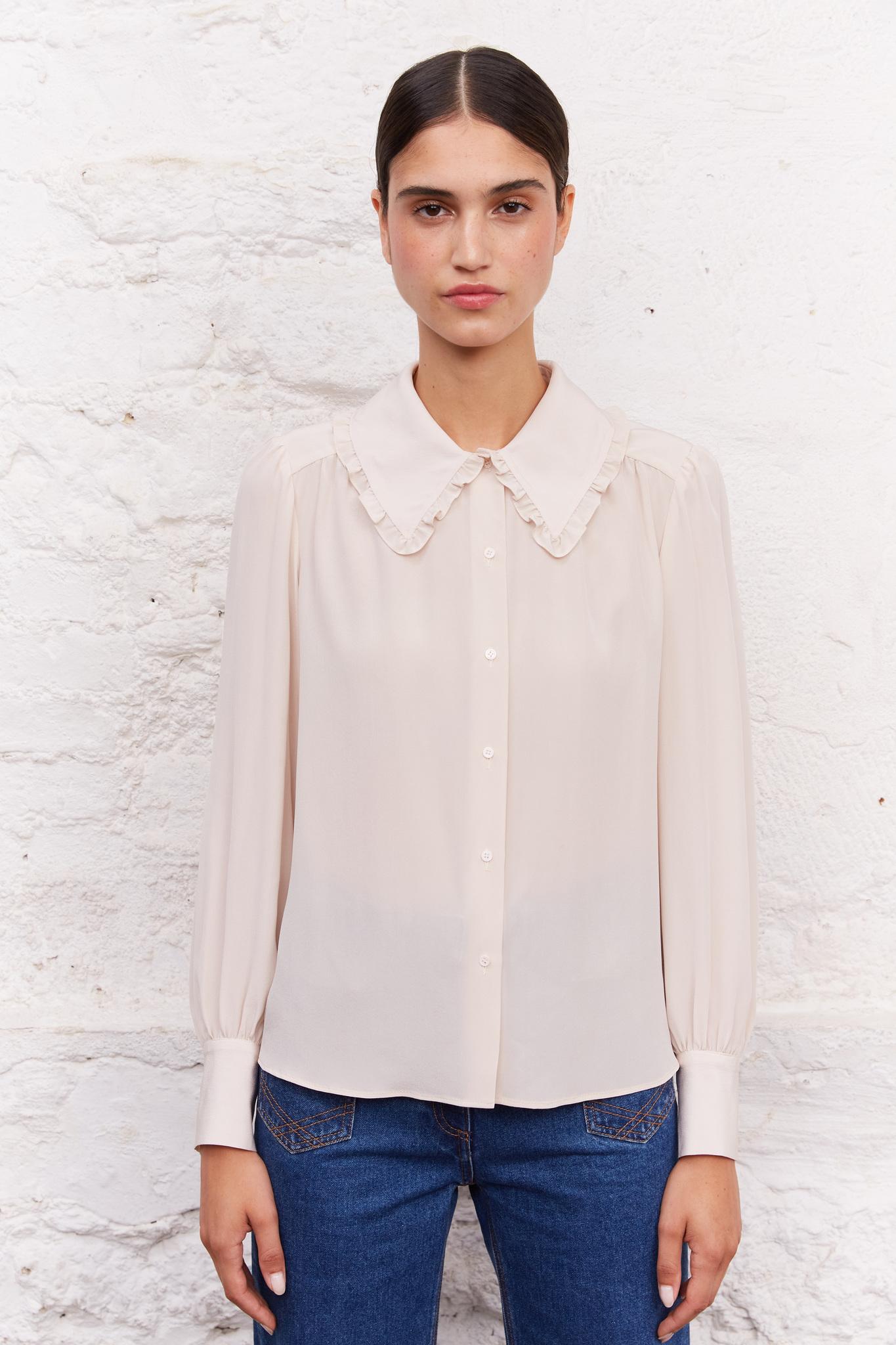 Шелковая рубашка с оборкой на воротнике