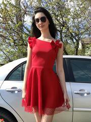 Каприз. Оригинальное нарядное платье. Красный