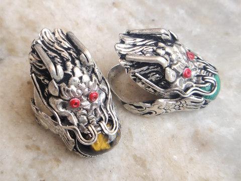 Перстень Дракон с камнем большой