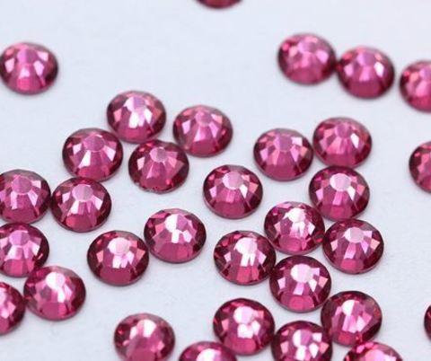 Стразы розовые (пластик)