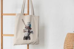 Сумка-шоппер с принтом Харли Квинн, Отряд самоубийц (Harley Quinn, Suicide Squad, Марго Робби) бежевая 003