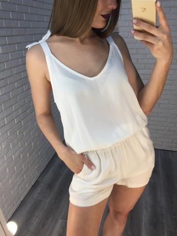 Комбинезон с шортами белый Nadya
