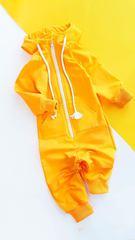 Комбинезон желтый