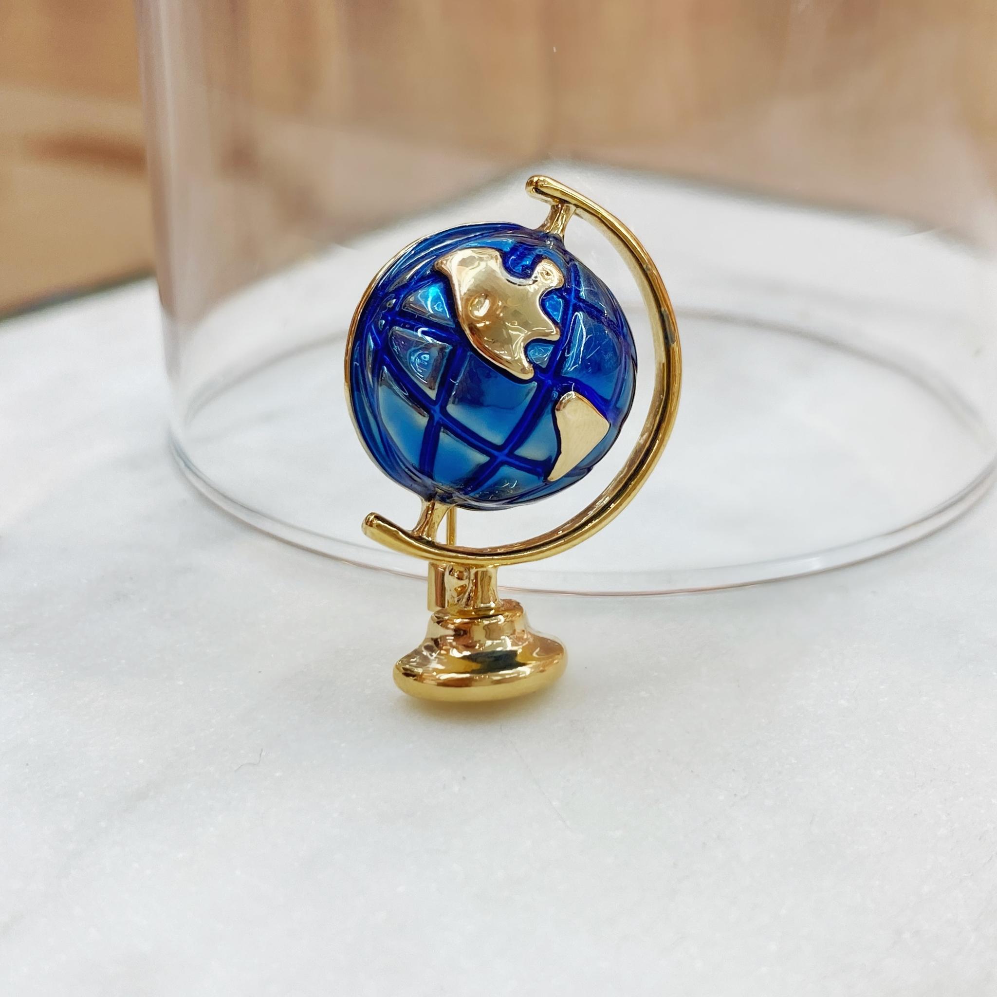 Брошь Глобус глазурь голубой