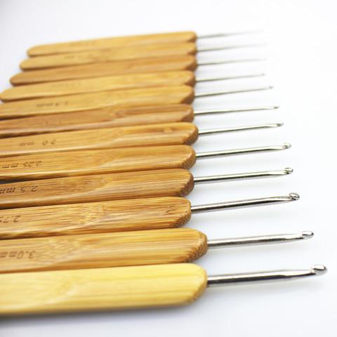 Крючок металлический с бамбуковой ручкой