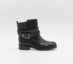 Черные кожаные ботинки с декоротивным ремнем