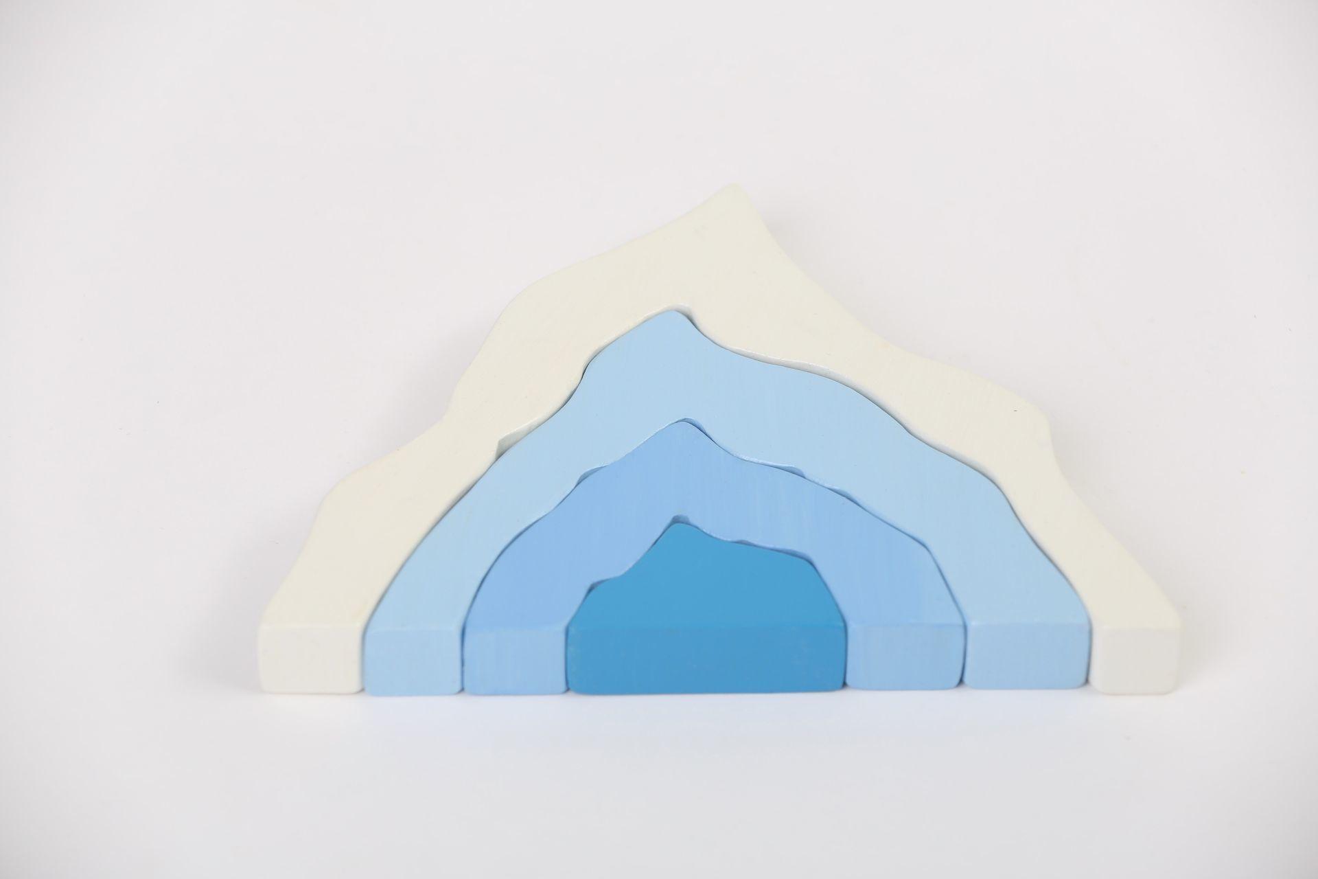 Стекер-пирамидка Айсберг
