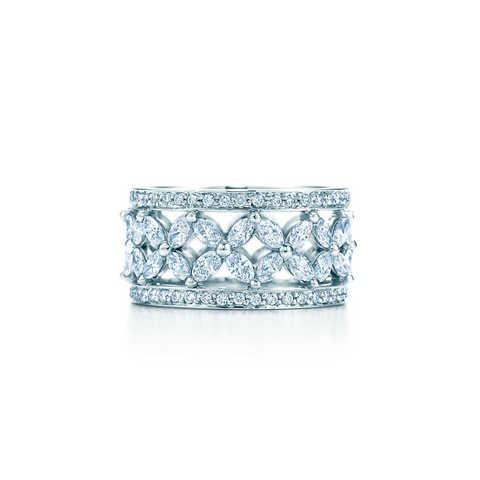 70452- Широкое кольцо Victoria  из серебра с цирконами огранки маркиз