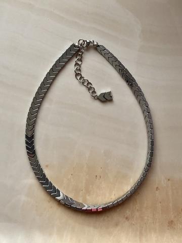 Колье Легион из гематита, серебряный цвет