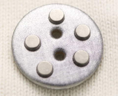 Пуговица кожаная с металлическими клёпками, серебристая, 38 мм