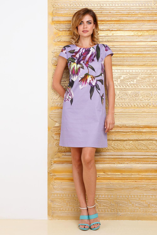Платье З285-398 - Эффектное летнее платье из хлопка прямого силуэта. Модель выполнена из натуральной ткани нежно-лилового цвета с ярким цветочным принтом. В таком платье вы точно не останетесь незамеченной, куда бы вы ни направлялись.