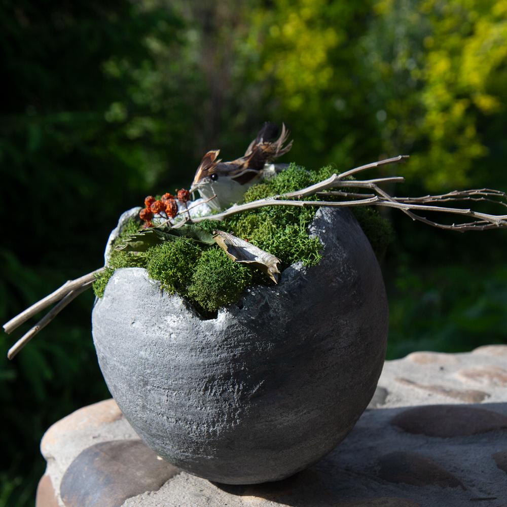 Интерьерная композиция в бетоне стабилизированный мох птичка заказать