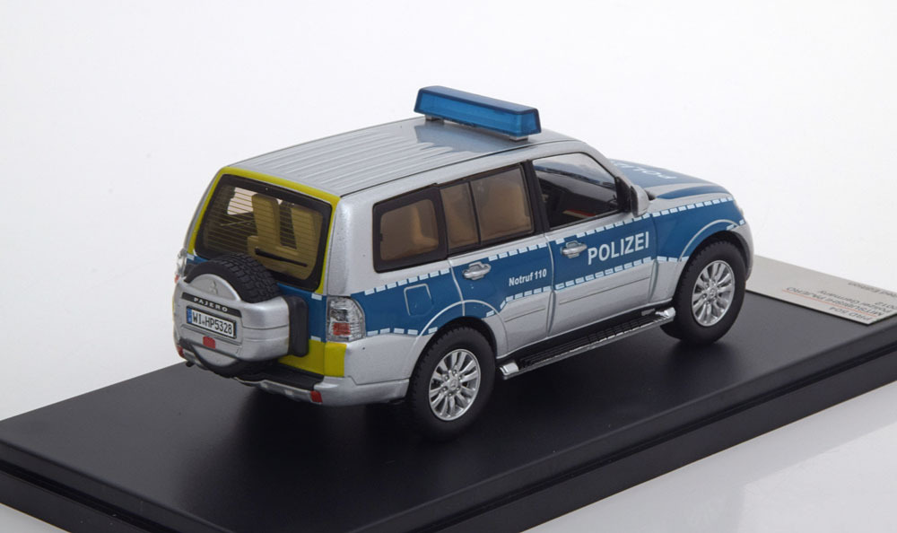 Коллекционная модель Mitsubishi Pajero Police 2012