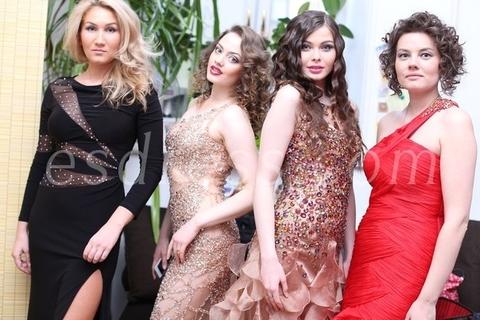 Наши модели на открытии галереи Мурузи в платьях Jovani и Sherri Hill