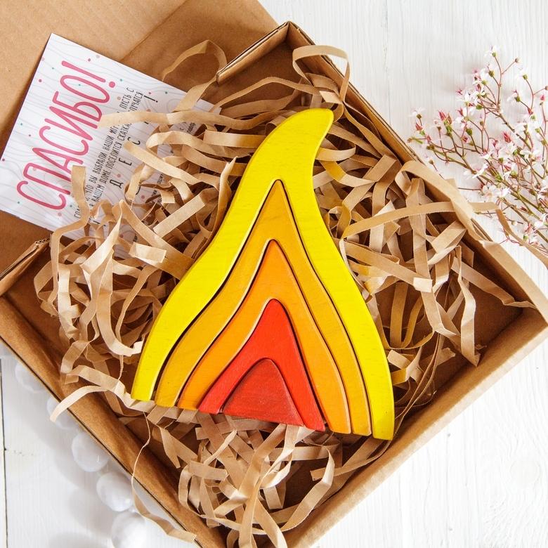 Стекер-пирамидка Пламя