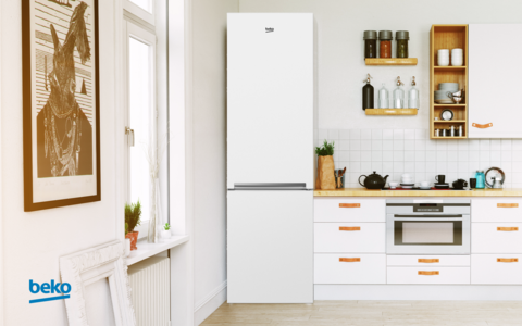 Холодильник Beko RCNK356K00W
