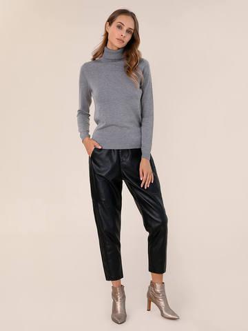 Женская водолазка серого цвета из шерсти и шелка - фото 5