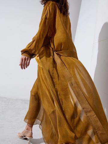 Платье-рубашка из шелка горчичный