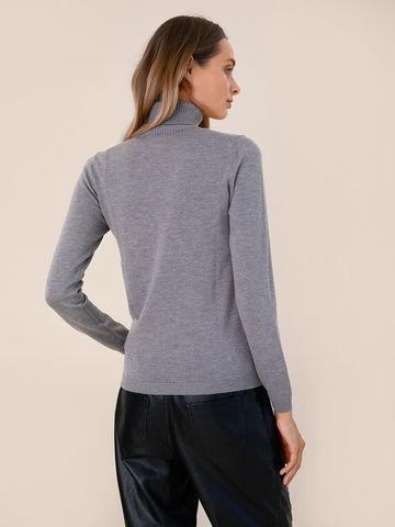 Женская водолазка серого цвета из шерсти и шелка - фото 4