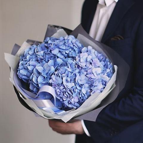 Букет голубых гортензий