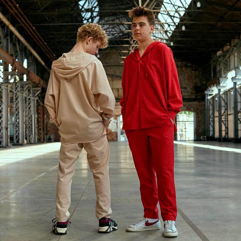 Підлітковий костюм з льону для хлопчиків в червоному кольорі