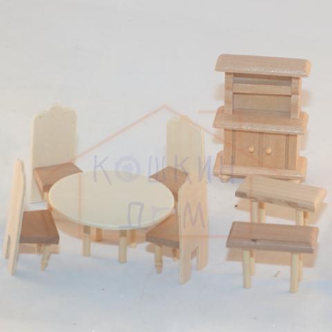 Набор деревянной мебели