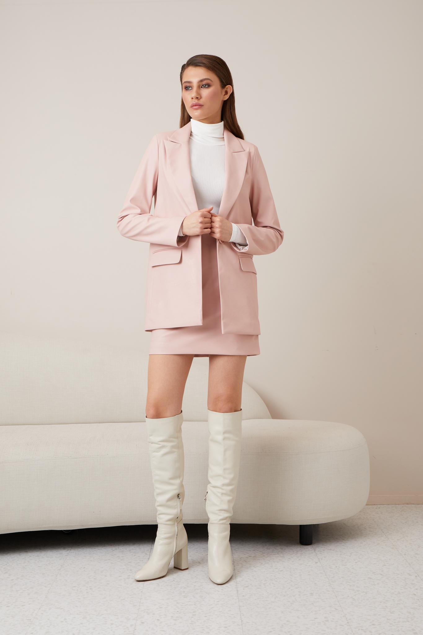 Прямой кожаный пиджак (пудровый)