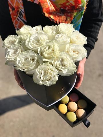 15 роз в шляпной коробке ( сердце с потайным ящиком ) #1763